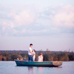 семья на лодке