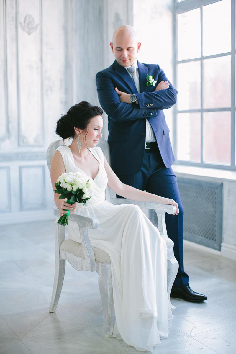 жених и невеста в студии