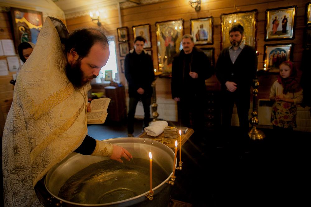 крещение в никольском храме